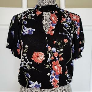 💫3 for $10💫 Chloe & Katie Floral Top 🌺